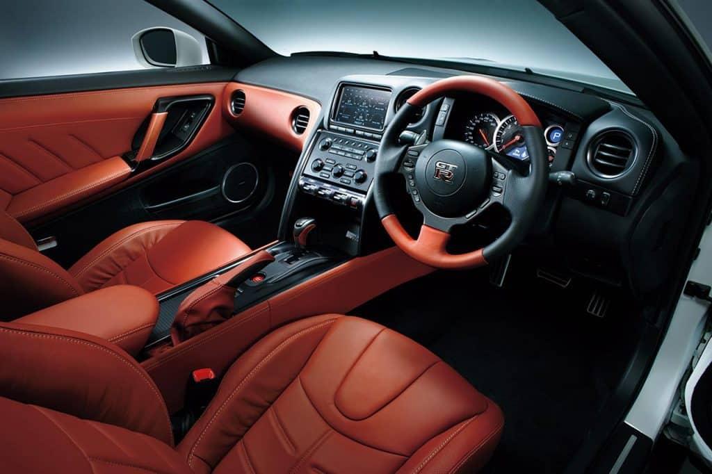 2014_Nissan_GT-R_Nissan_48847